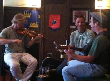 An acoustic gig at Pub 32.