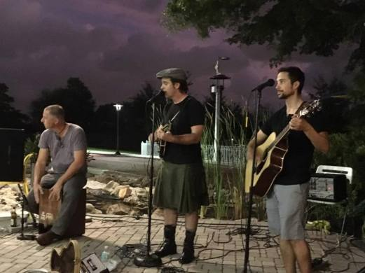 An outdoor show at Cafe In The Park